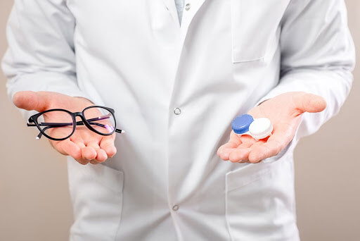 Contact Lenses vs glasses | Blog - Buy Contact Lenses in pakistan @ lenspk.com
